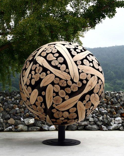 Деревянные скульптуры южнокорейского художника Дже-Хё Ли (12 фото)