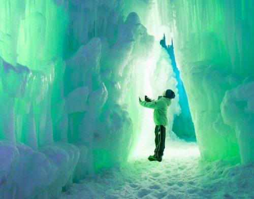 Сказочные замки из льда от компании Ice Castles (14 фото)